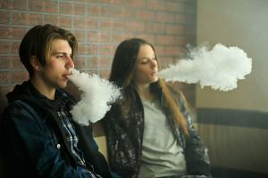 Indiana family files lawsuit against e-cigarette manufacturer